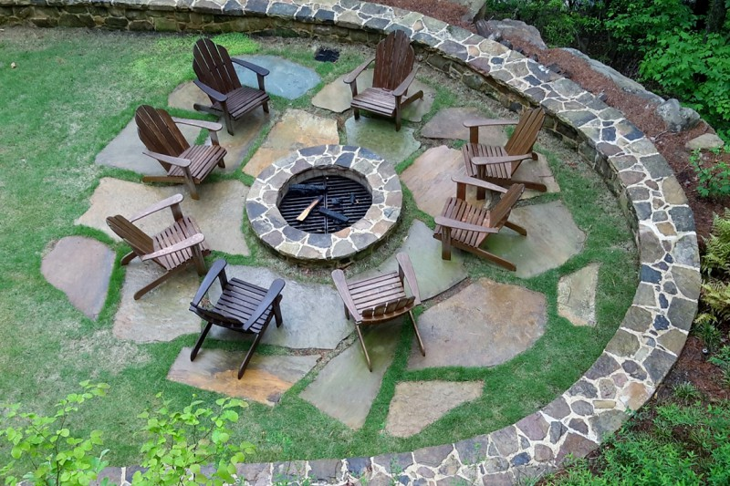 Fire Pit and Stone Terrace at Mountain Lake House, Garden Architects, Inc.