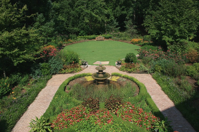 Parterre Boxwood Garden and Rear Lawn, Garden Architects, Inc.