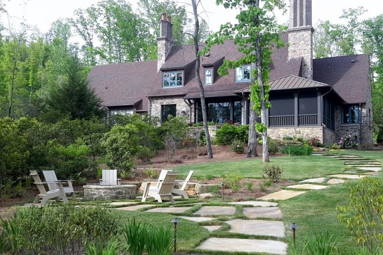 Rear lawn and Fire Pit Lake Burton, Garden Architects, Inc.