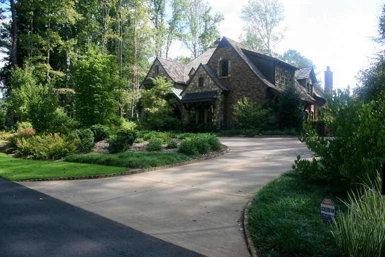 Formal Drive with Brick Band, Garden Architects, Inc.