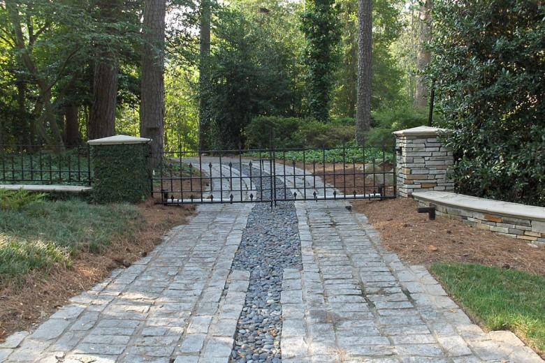 Service Drive Buckhead Estate, Garden Architects, Inc.