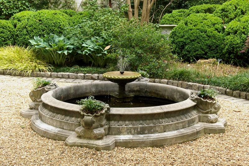 Haddonstone Circular Fountain in Courtyard, Garden Architects, Inc.