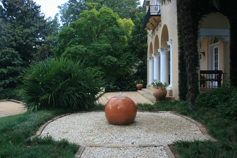 Historic Property with Entry Fountain, Garden Architects, Inc.