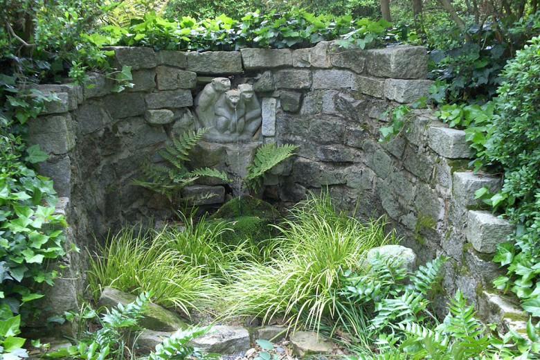 Three Monkeys Fountain, Garden Architects, Inc.