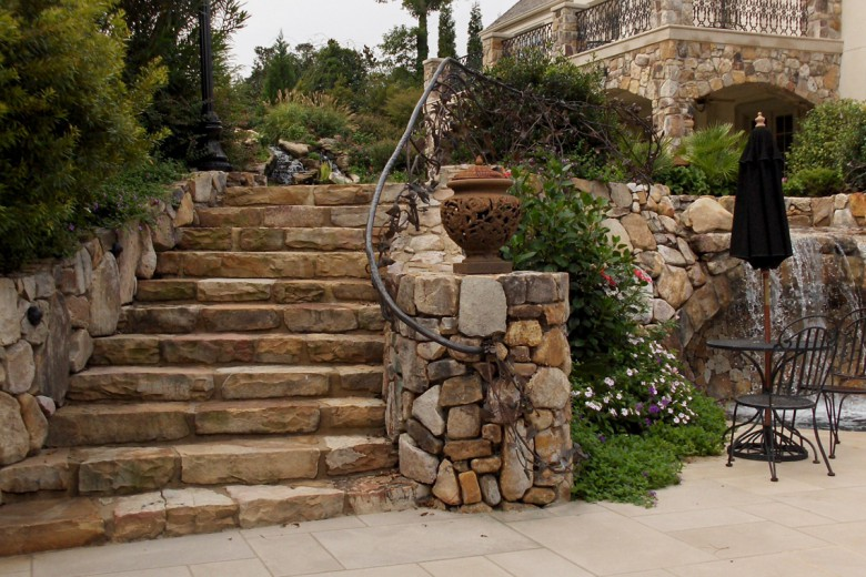 Radial Stone Steps to Pool Terrace, Garden Architects, Inc.