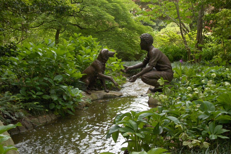 Bronze Boy and His Dog, Garden Architects, Inc.